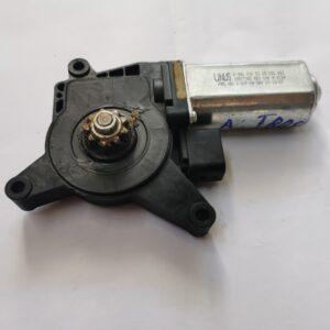 Motoras macara geam stanga/dreapta Mercedes Actros cod A0008205208